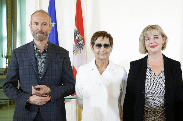 Erwin Wurm, Brigitte Kowanz, Christa Steinle, Introduction of the nominees for the Austrian Pavilion at the press conference on April 1st 2016: Erwin Wurm, Brigitte Kowanz, Christa Steinle